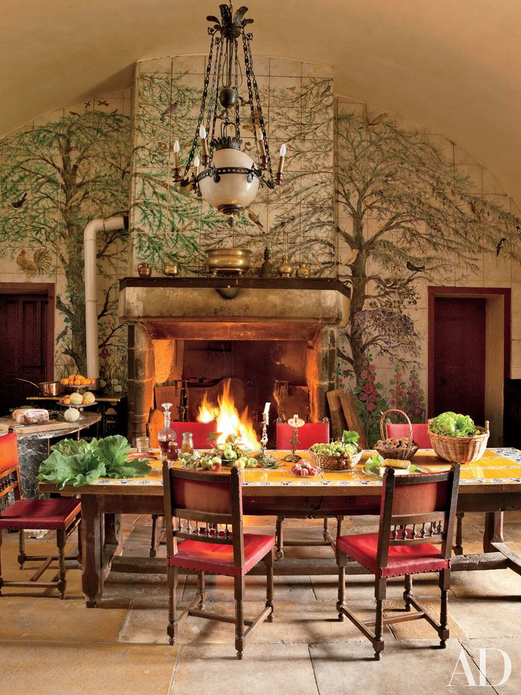 Warm Up Next To These Cozy Kitchen Fireplaces