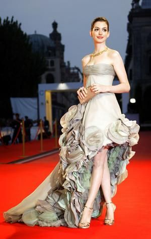 Anne Hathaway this has to be one of the most original dresses i have ever seen, i love it jaglady.