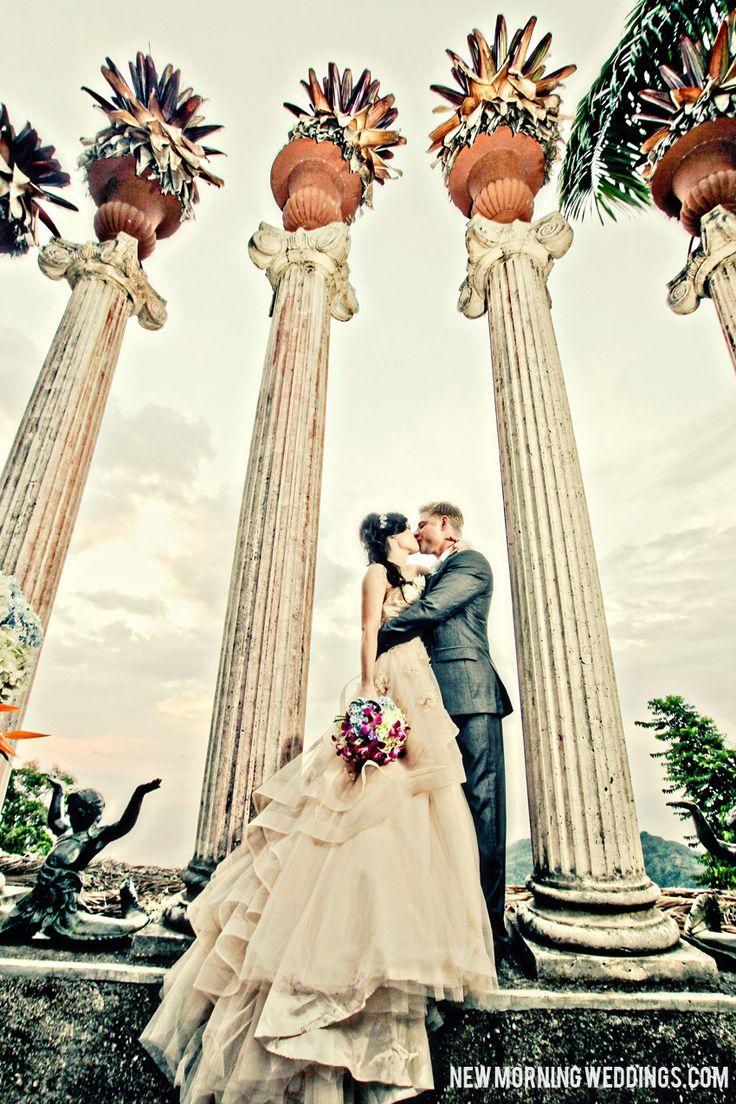 Destination Wedding at the Romantic Villa Caletas in Costa Rica.  Wedding Photography by Mindy of New Morning Weddings.  Greek Ampitheater Wedding in Costa Rica! www.newmorningweddings.com