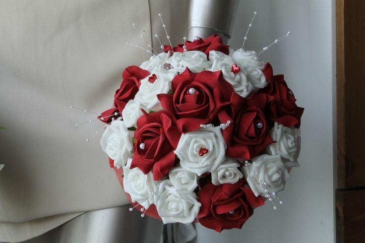 Bouquet de la mariée rouge et blanc cœurs et perles : Autres accessoires par bouquet-de-la-mariee www.bouquet-de-la-mariee.com