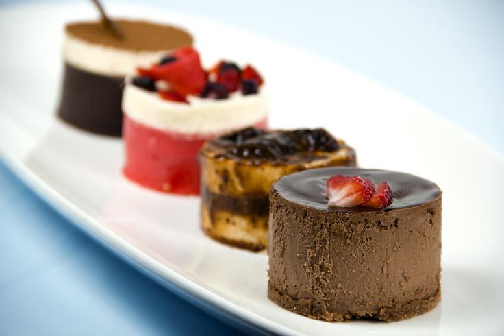Cheesecake de Chocolate, Postre de ciruelas (plum), Cheesecake de Frutos Rojos (red berries), Tiramisú / Malva Repostería / Foto: Trendy / 2012