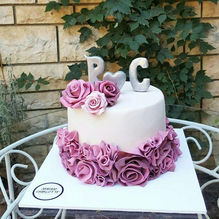 ruffle engagement cake