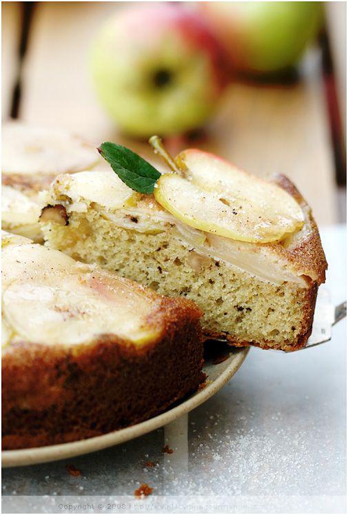 Seasonal Apple Cake — Le gâteau aux pommes saisonnier | La Tartine Gourmande (with GF & wheat options)