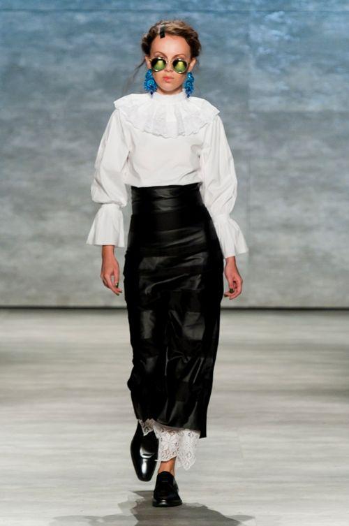 Designer român la Săptămâna Modei de la New York. A impresionat cu motivele populare! Foto | Modă, Rochii, Ţinute | Unica.ro