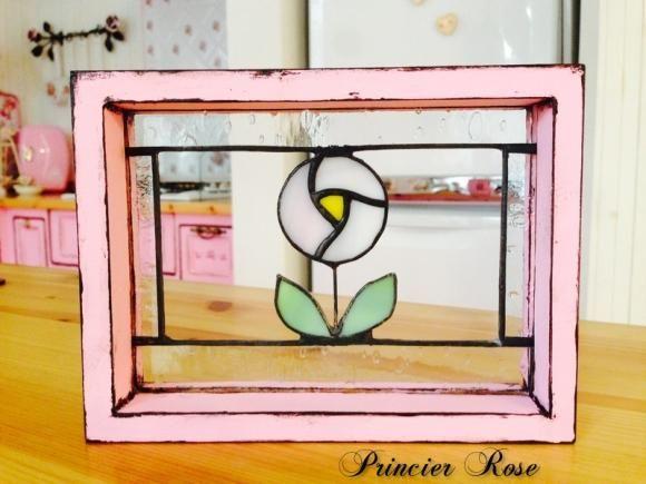 """ステンドグラス ミニパネル「ローズドロップ」 Stained Glass """"Rose drop"""" 雨に咲く薔薇をイメージして作りました。 I made with the image of a rose blooming in the rain"""