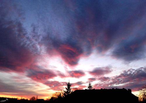 by ♡Gosia M more: http://xgosia-mx.tumblr.com   &   https://www.facebook.com/gosiamphoto  #sunset #sky #view #clouds