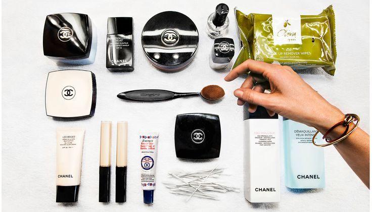 Anya de Tobon är en av landets mest anlitade och prisbelönta makeupartister. Här visar hon sina vikigaste redskap och produkterna hon inte kan vara utan.