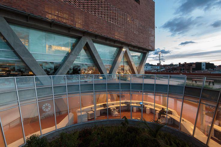 Gallery of Santa Fe de Bogotá Foundation / El Equipo de Mazzanti - 39
