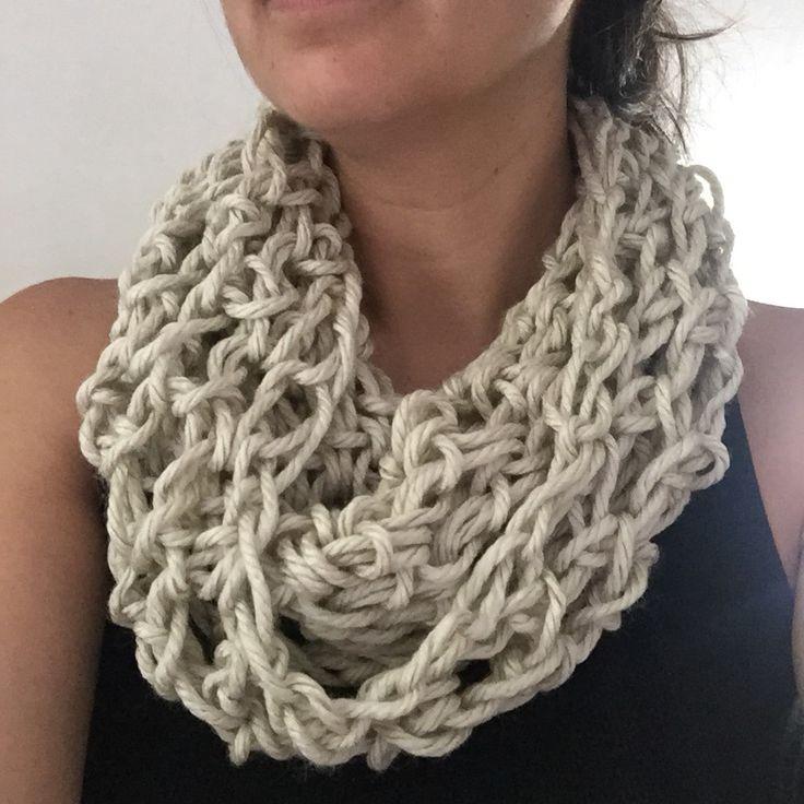 Cuello tejido con las manos  #hechoamano #tejido #lanas #crochet