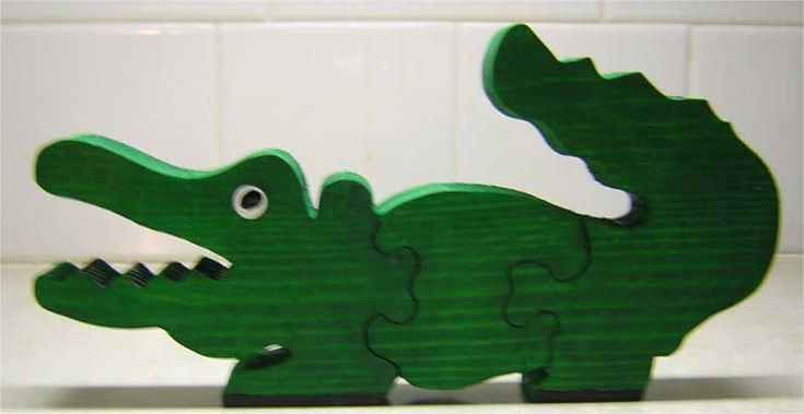 free Wood Puzzles for Kids - Alligator pattern