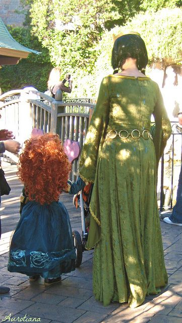 Mom and Daughter by Aurotiana, via Flickr