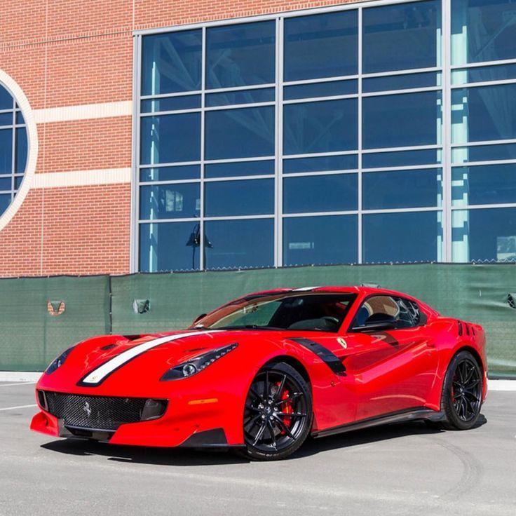Transport Ferrari: Ferrari F12 Tdf