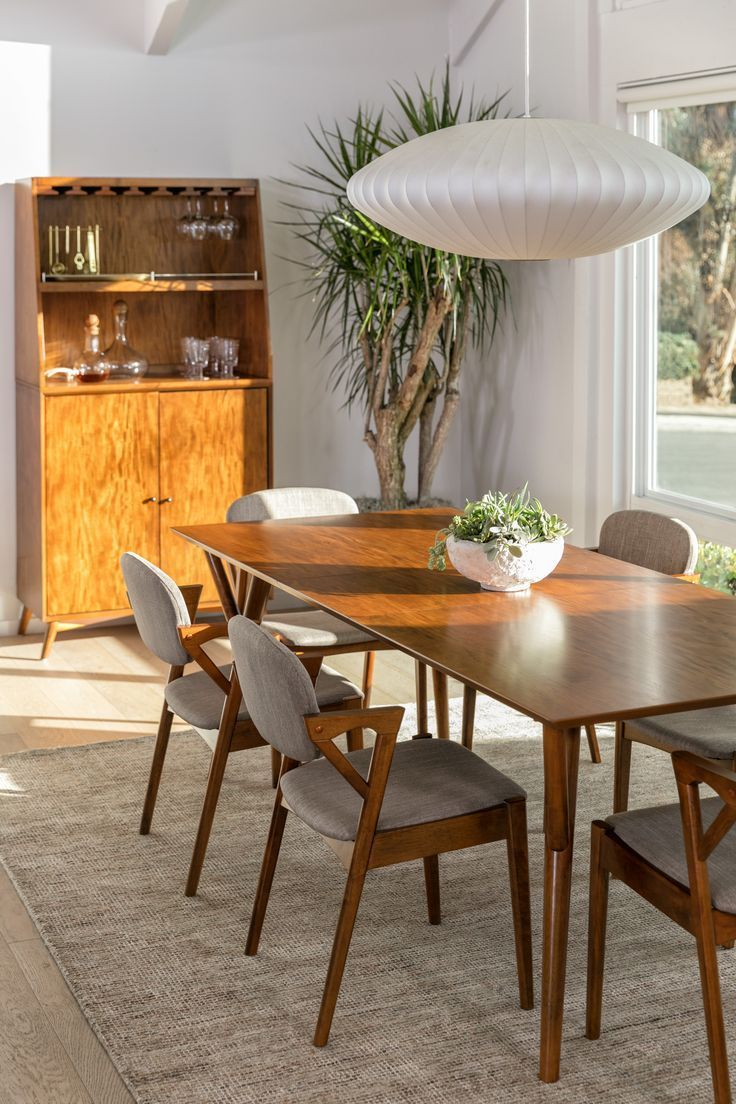 Find Our Favorite Mid Century Dining Room Decor Ideas Here On Pinterest And On Mid Century Dining Table Mid Century Dining Room Tables Mid Century Dining Room