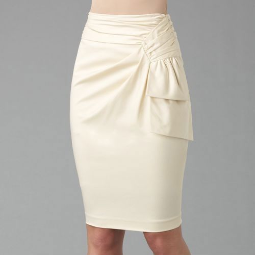 Russian site with illustrations on how to alter a standard skirt pattern to obtain lots of different designs.