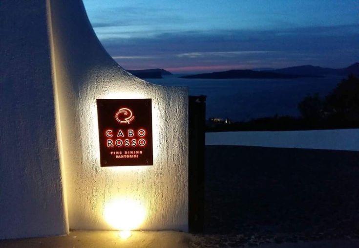 Αισθητική και γαστρονομική ανανέωση για το εστιατόριο του πολυτελούς Ambassador  Aegean Luxury Hotel & Suites στην Σαντορίνη. Σεφ και άγρυπνο μάτι παραμένει ο Γιώργος Ξυνός.