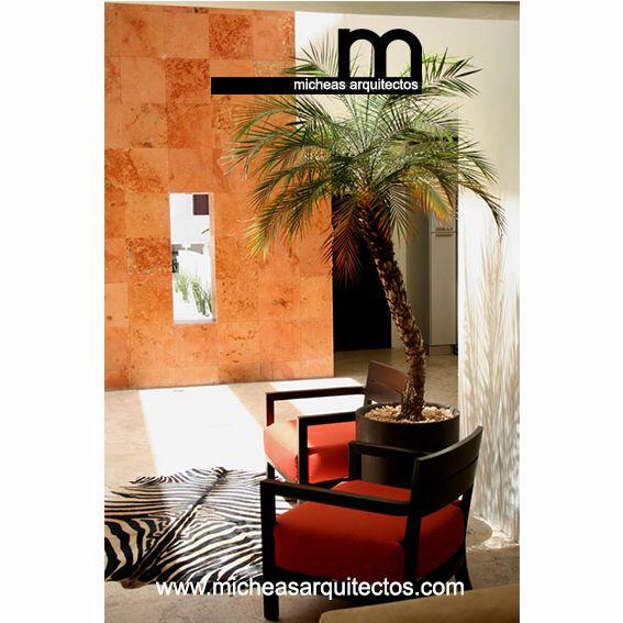 Casa F • patio interior • materiales naturales