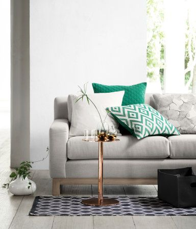 Jacquard weave cushion -diamond pattern, green (also in black and yellow | H&M GB