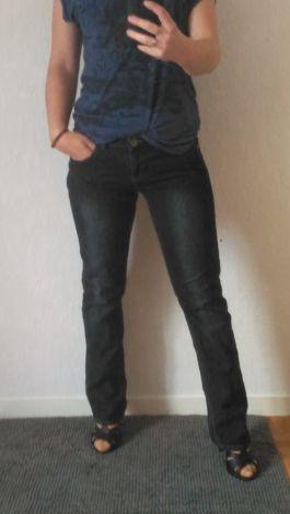 Je viens de mettre en vente cet article  : Jeans évasé, boot-cut Gémo 12,00 € https://www.videdressing.com/jeans-evases-boot-cut/gemo/p-6917880.html?utm_source=pinterest&utm_medium=pinterest_share&utm_campaign=FR_Femme_V%C3%AAtements_Jeans_6917880_pinterest_share