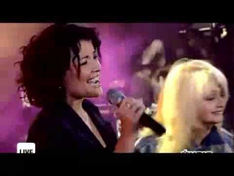 #bonnietyler #kareenantonn #live #music #concert #tvperformances #france