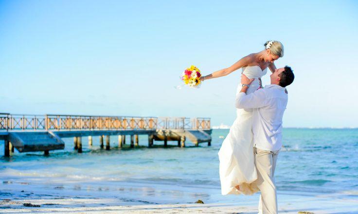 Já ouviu falar em destination wedding? Veja nossas 7 opções de hotéis para casamento na praia em destinos como Estados Unidos, México, Republica Dominicana, Espanha e outros.