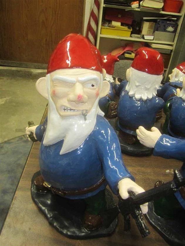 Combat Garden Gnomes (1)