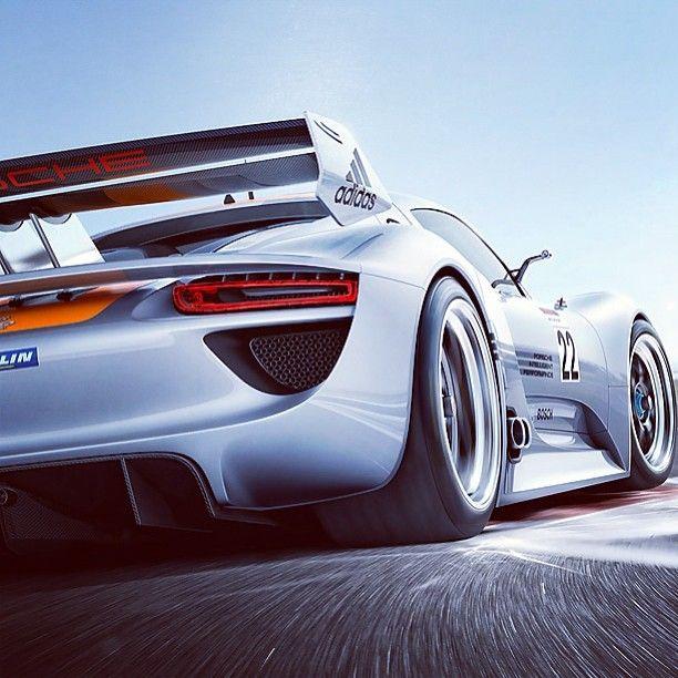 Stunning! Porsche 918 Supercar