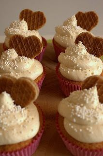Typical Dutch Recipes: Stroopwafel Cupcakes
