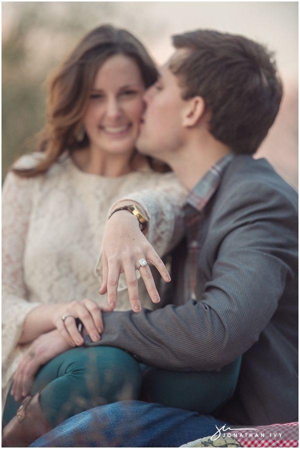 Romantic Engagement Photo Ideas #weddingideas #peartreegreetings #engagementideas