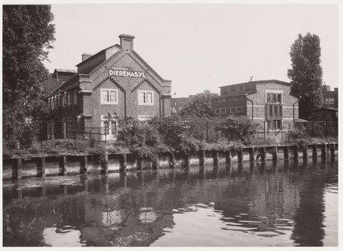 Ringvaart, gezien van de Linnaeuskade naar het dierenasiel aan de polderweg, in juli 1941 ca. Bron: Beeldbank, Stadsarchief Amsterdam.