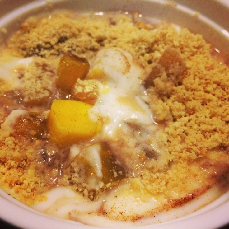 Cohen Diet: Non Fat Yogurt with Apple and Mango topped with cracker crumble (crushed crackers sprayed with oil and mixed with nutmeg) #lynskitchen #cohenlifestyle