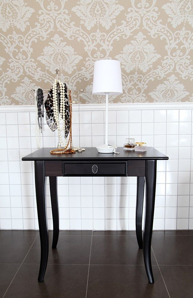 Matte white Metal Etui design table lamp designed by Monica Öfverström