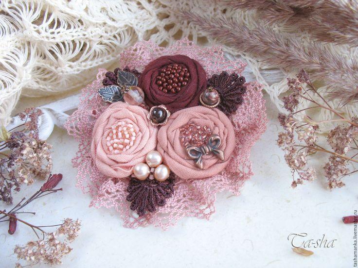"""Купить """"Букет роз"""" бохо брошь текстильная бордовая вишневая цветок розовый - брошь цветок"""