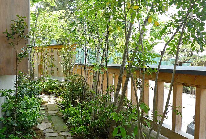 施工例6=小さな庭、狭いスペースの工夫|高田造園設計事務所