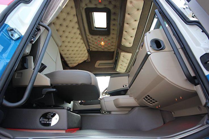 Truck interieur voor Van Rooyen Kalveren