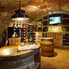 traditional wine cellar by Vinis BMC Production