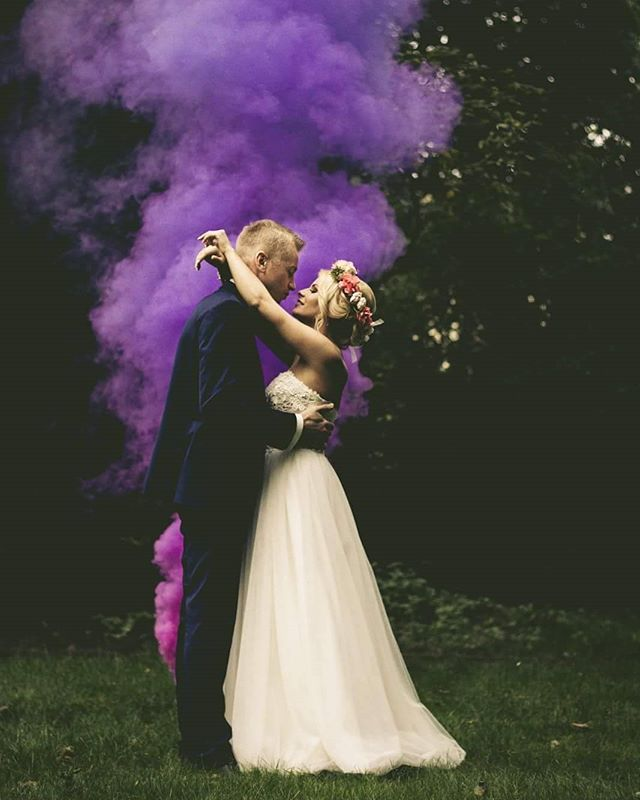 """Jestem zakochana w tym plenerze! 👫💍💑💘 #wedding#weddinginspo#weddingdress#couple#couplegoals#instagirl#MoodyPorts#moodyphoto#moodyphotos#portraitmood#tumblr#tumblrphoto#like4like#l4l#photography#photodaily#photooftheday#warsaw#polishgirl#instagirl#instaboy#instacouple#weddings#justmarried#married#f4f#follow4follow#portraitmood#portraitpage#green#weddingphotography ❣"" by @d.o.fotografia. #eventplanner #weddingdesign #невеста #brides #свадьба #junebugweddings #greenweddingshoes…"