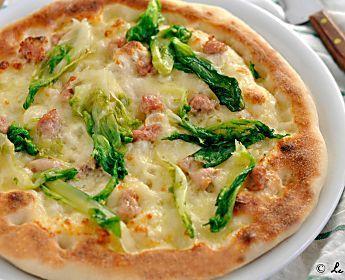 Pizza con scarola e salsiccia, ricetta con lievito madre e con lievito di birra