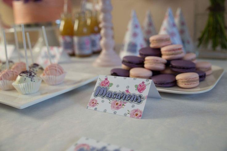 Pink and Purple party / macarons and cake pops