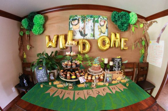 Paper vibes, tree, leaves, Pom Pom, wild one, where the wild things are, party, birthday, boy, dessert, cupcakes, balloons, decorations, butcher paper
