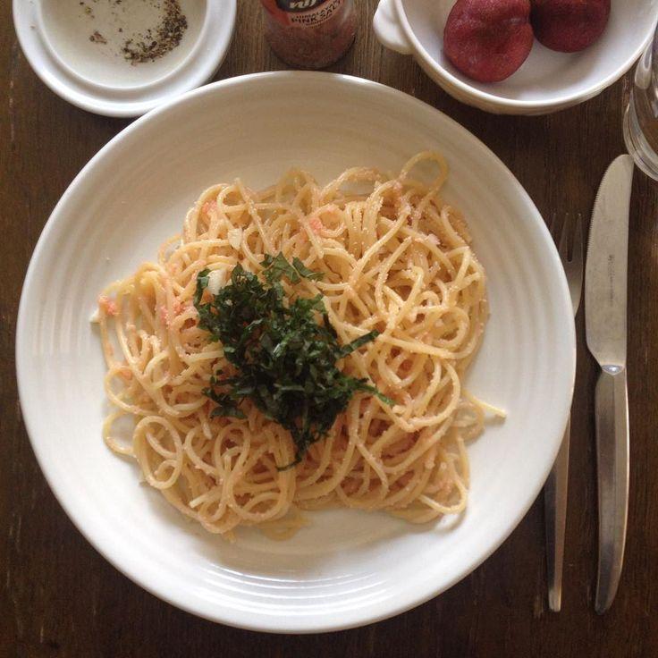 たらこスパゲティはバター仕立てで青紫蘇の葉トッピング口の中が痛いからまたまたパスタ  #keikoswashoku #keikomme #foodie #delicious #yummy #foodporn #italia #japanfood #lunch #pranzo #codroe #ケイコ飯 #ヘルシー #ランチ #昼飯 #昼食 #日本 #イタリア #料理 #美味しい #FB #pin