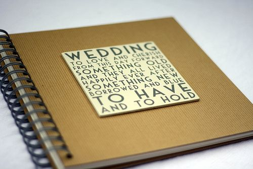 What to Look for in a #WeddingPlanner Book #weddingtips brieonabudget.com