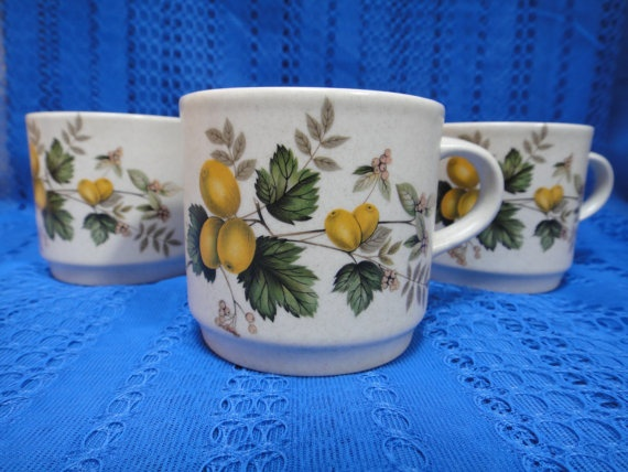 Vintage Johnson of Australia tea cups 3 pieces by Miloko on Etsy