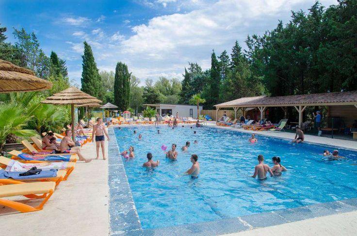 Vacances au centre du pays varois dans le camping 3 étoiles La Vallée de Taradeau: Prestations de bien-être, WIFI, restaurant etc. sur place.