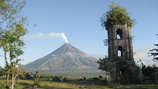 mayon the origin Mayon volcano in albay province had a lava fountaining event at 10 pm monday, the  mayon has a long history of deadly eruptions.