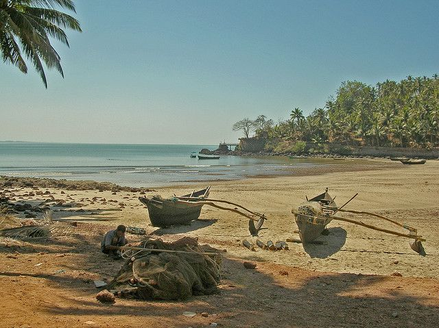 Take some selfies at this pictureque bay. Photo credit: Beaches in Goa