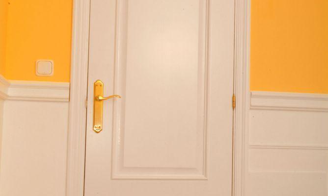 Pintar puertas con molduras