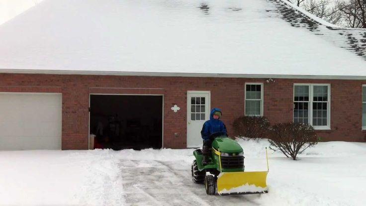 John Deere X300 Plowing Snow (HD)