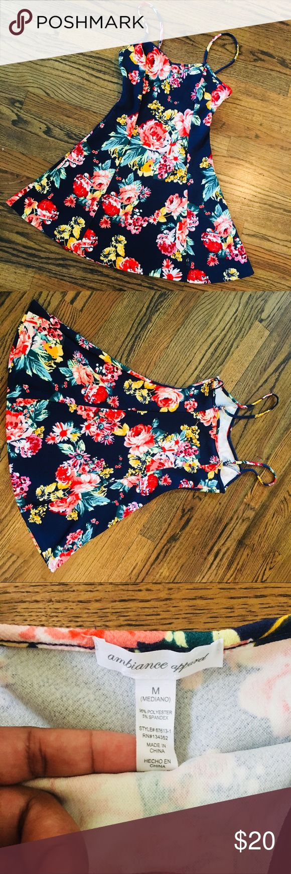 Flower Dress Colorful dress, perfect for a day on the beach or cute picnic date outfit, can be dressed up or down, stretchy fit!!! Dresses Mini