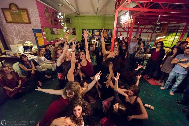 le foto della serata #serescalze del 3 marzo. #musica e #danza in una serata al'insegna dell'amicizia!#danzanuda #pizzica