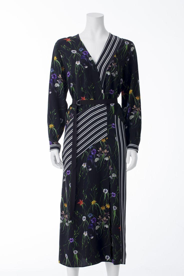 Robe longue fleurie et rayée, H&M, 69,99$ * Striped floral maxi dress, H&M, $69.99
